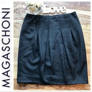 Magaschoni Black Pleated pencil skirt size 8